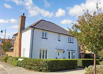 Amber Lane, West Malling, Kent ME19. 3 bed detached house