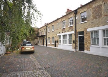 Thumbnail 3 bed property to rent in Moreton Terrace Mews South, Pimlico, London
