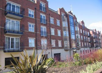 Thumbnail 3 bed flat to rent in Carisbrooke Road, Far Headingley, Leeds