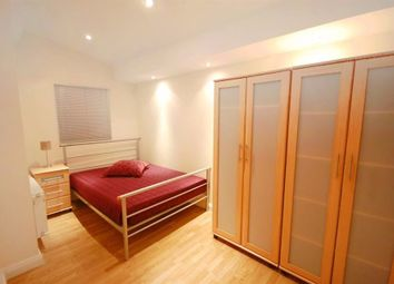 Thumbnail 1 bed flat to rent in Courtfield Gardens, London, Earls Court