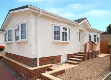 Thumbnail 2 bedroom mobile/park home for sale in Cornfield Crescent, Limit Home Park, Northchurch, Berkhamsted