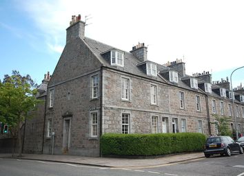 2 bed flat to rent in Victoria Street, Aberdeen AB10