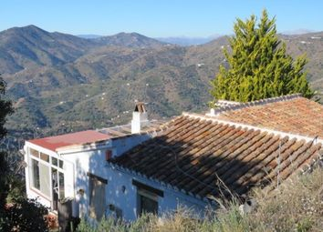 Thumbnail 3 bed country house for sale in Sayalonga, Spain
