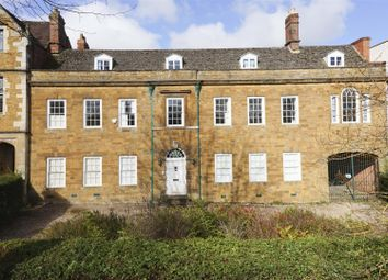 Thumbnail 8 bed town house for sale in South Bar Street, Banbury
