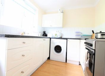Thumbnail 2 bedroom property to rent in Webburn Gardens, West End, Southampton
