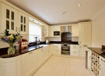 3 bed town house for sale in St. Andrews Road, Littlestone, New Romney, Kent TN28
