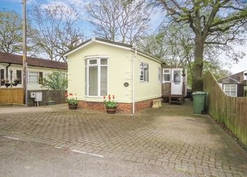 2 bed mobile/park home for sale in Bluebell Ride, Radley, Abingdon OX14
