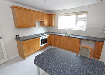 Thumbnail 3 bed flat to rent in West Street, Bourne