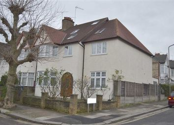 Thumbnail 2 bed flat to rent in Grove Avenue, Finchley, London