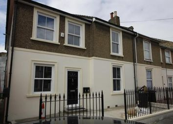 Thumbnail 2 bed flat to rent in Darnley Street, Gravesend, Kent
