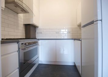 Thumbnail 5 bed flat to rent in Hornsey Road, Archway
