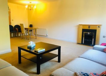 3 bed flat to rent in Carisbrooke Road, Leeds LS16