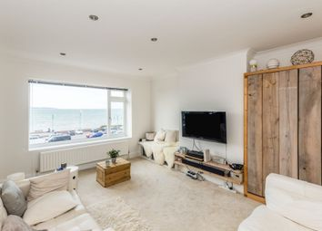 Marine Parade West, Lee-On-The-Solent PO13. 2 bed flat for sale