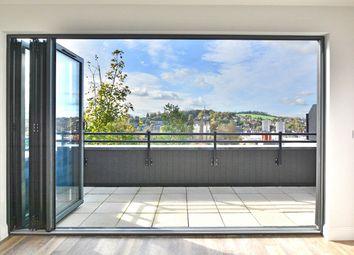Thumbnail 2 bedroom flat for sale in Sydenham Road, Guildford
