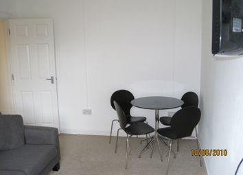 Thumbnail 3 bed flat to rent in Holdenhurst Road, Bournemouth