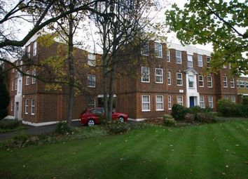 Thumbnail 2 bed flat to rent in Hartland Road, Friern Barnet