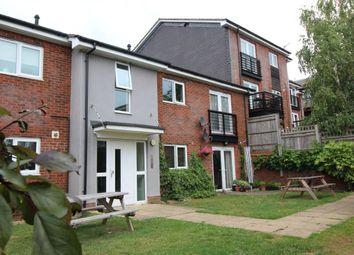 Thumbnail 2 bedroom flat for sale in Gilroy Road, Hemel Hempstead