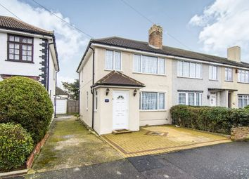 Thumbnail 3 bed property to rent in St. Andrews Avenue, Hornchurch