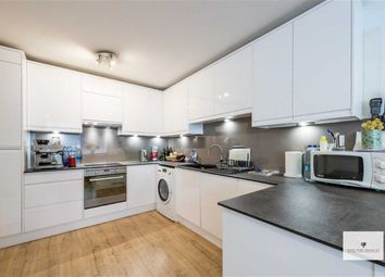 2 bed maisonette to rent in Craven Hill Gardens, London W2