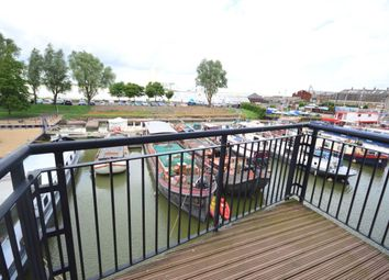 Thumbnail 2 bedroom flat to rent in Canal Road, Gravesend