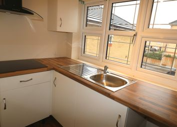 Thumbnail Studio to rent in Bluebellway, Ilford, Essex
