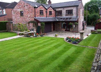 Thumbnail 5 bed detached house for sale in Roundcroft, Romiley, Stockport
