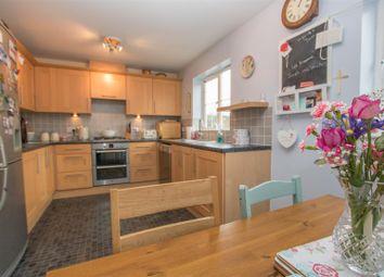 4 bed property for sale in Hornbeam Way, Weston Turville, Aylesbury HP22