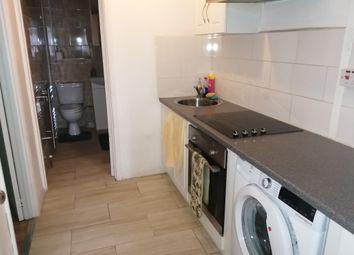 2 bed flat to rent in Coronation Parade, Hamble, Southampton SO31