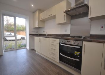 Thumbnail 4 bed town house to rent in Reading Centre, Berkshire