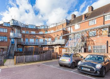 Thumbnail 2 bed flat to rent in Easton Street, High Wycombe