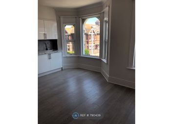 3 bed flat to rent in Eastcourt Road, Worthing BN14