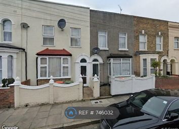 Room to rent in Cedars Road, Stratford E15