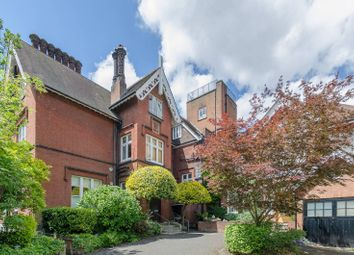 Thumbnail 2 bed maisonette for sale in Netherhall Gardens, Hampstead