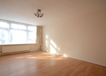 Thumbnail 1 bedroom flat to rent in South Lynn Crescent, Bracknell