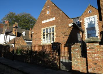 2 bed flat to rent in Church Row, Pebble Lane, Aylesbury HP20