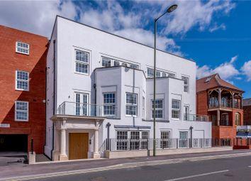 Lionsgate, 74 East Street, Farnham, Surrey GU9. 2 bed flat for sale