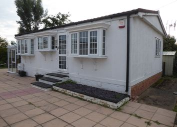 Mayfield Park, Thorney Mill Road, West Drayton, Middlesex UB7. 2 bed mobile/park home