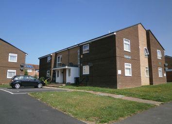 Thumbnail 2 bed flat to rent in Parkway, Apse Heath, Sandown