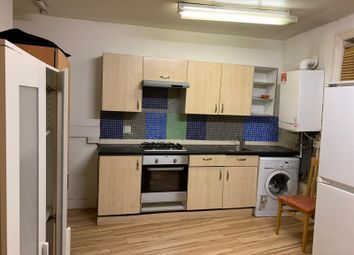 Thumbnail 2 bed flat to rent in Battersea Rise, Clapham