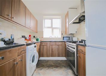 Thumbnail 3 bedroom flat to rent in Kings Avenue, Clapham, London