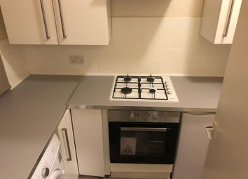 Thumbnail 2 bed flat to rent in Woodhouse Road, London, Finchley