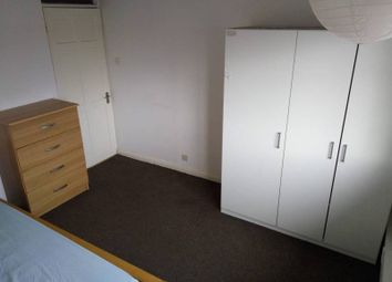 Thumbnail Room to rent in Station Cres, London