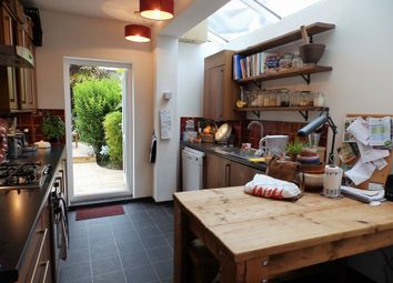 Thumbnail 2 bed flat to rent in Brigden Street, Brighton, East Sussex