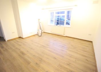 Thumbnail Flat to rent in Parnell Close, Edgware, Middlesex