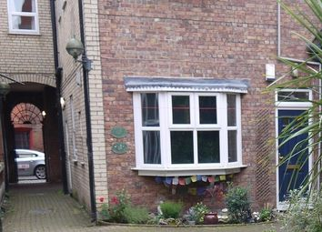 Thumbnail 1 bedroom flat to rent in Salters Court, High Street, Hull