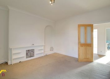 Thumbnail 3 bed flat to rent in London Road, Retford