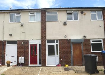 Thumbnail 2 bed flat to rent in Christchurch Road, Tring