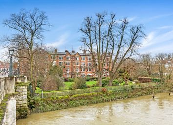 Richmond Bridge Mansions, Willoughby Road, Twickenham TW1. 2 bed flat for sale