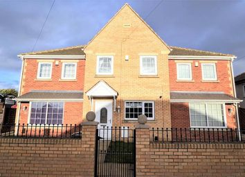 3 bed town house for sale in Rotherham Road, Barnsley S71
