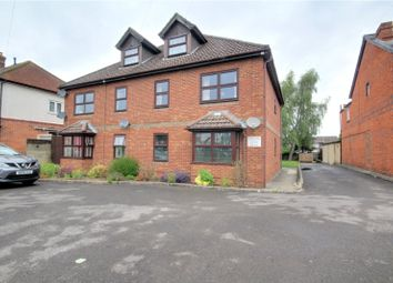 2 bed flat to rent in Berwyn House, 170 Whitley Wood Road, Reading, Berkshire RG2
